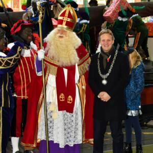 Sinterklaas met burgemeester